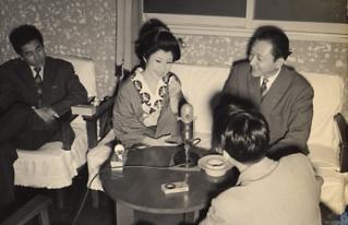 かくて中村玉緒のスクリーンデビュー時の話しに移るが、小生が在籍していたラ... 中村鴈治郎・娘